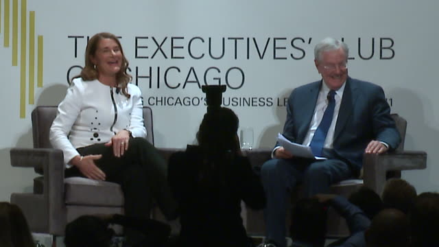 wgn chicago illinois us melinda gates spoke at the executives' club of chicago on april 29 2019 about the release of her first book the moment of... - litteratur bildbanksvideor och videomaterial från bakom kulisserna