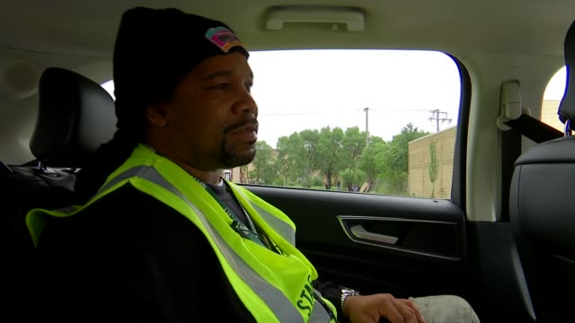 vídeos y material grabado en eventos de stock de 'chicago lessons from the city' treating violent crime like a disease could be the solution usa illinois chicago / reggie woods interview / local... - the cure