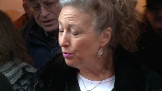 chicago loop synagogue president lee zoldan speaks to media after hate crime, building defacement on february 5, 2017. - ナチスかぎ十字点の映像素材/bロール