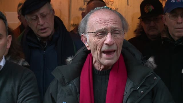chicago loop synagogue ritual director gary rosenberg speaks to media after hate crime, building defacement on february 5, 2017. - ナチスかぎ十字点の映像素材/bロール