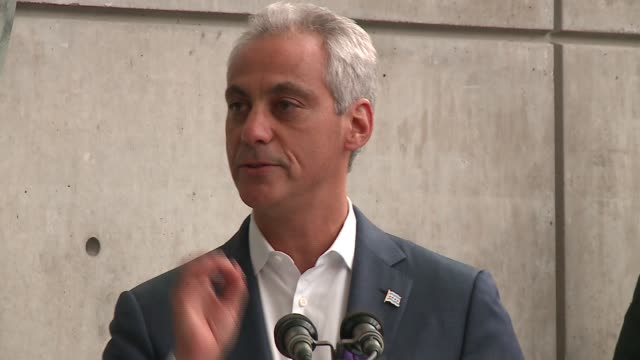wgn chicago mayor rahm emanuel speaks at a vigil at center on halsted on june 13 in chicago's boystown to show support for the lgbtq community and... - ホモフォビア点の映像素材/bロール