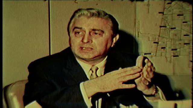 vidéos et rushes de chicago politician talks north korea, vietnam conflict in january 1968. - 1968