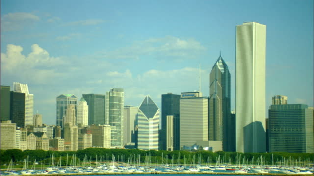 ws, chicago skyline across lake michigan, illinois, usa - two prudential plaza stock videos & royalty-free footage