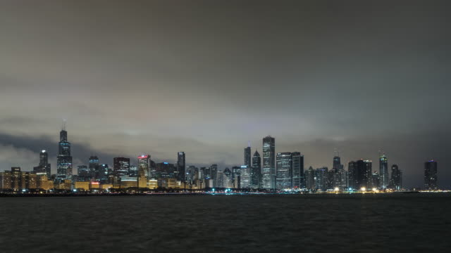 t/l chicago skyline at dawn, night to day transition / chicago, illinois - willis tower stock videos & royalty-free footage