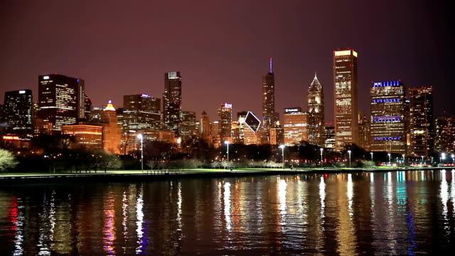 HD : 夜のシカゴの街並みの景観米国