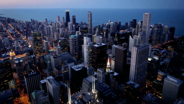 stockvideo's en b-roll-footage met chicago skyline - chicago illinois