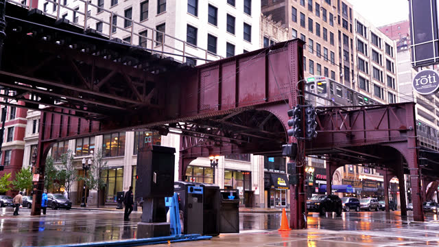 vídeos de stock, filmes e b-roll de chicago street. subway - metrô de chicago