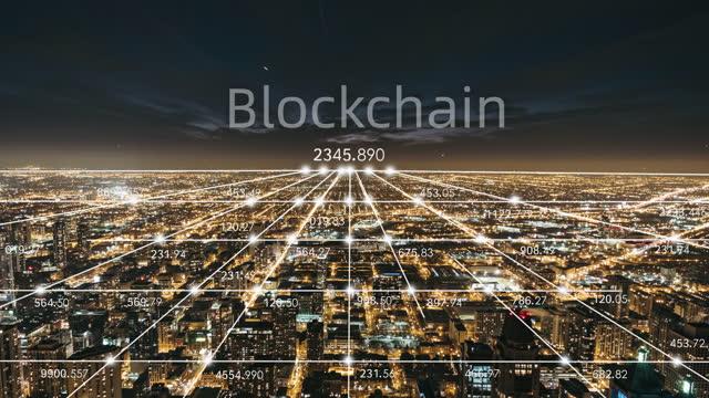 t/l chicago urban skyline e 5g network concept di notte - blockchain video stock e b–roll