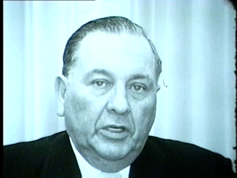 vídeos de stock, filmes e b-roll de chicago's mayor richard j. daley talks about changes in taxes, 1962 - chicago illinois