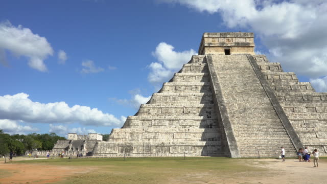 chichen itza ruins : dolly shot moving to left - pyramid stock videos and b-roll footage