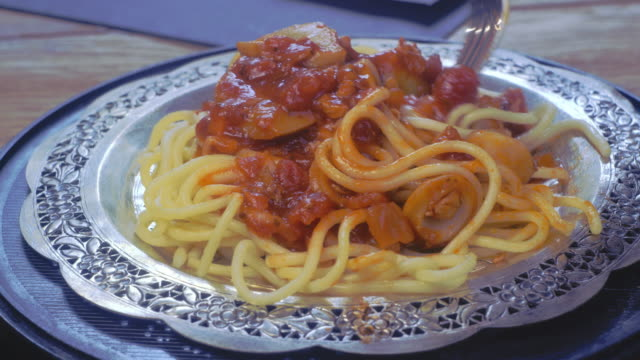 chicken spaghetti with tomato sauce - spoon stock videos & royalty-free footage