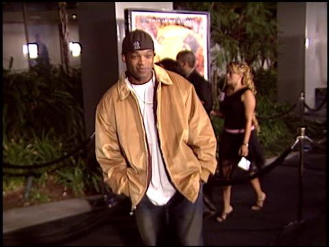 vídeos y material grabado en eventos de stock de chico headiman at the 'tupac: resurrection' premiere at the cinerama dome at arclight cinemas in hollywood, california on november 4, 2003. - arclight cinemas hollywood