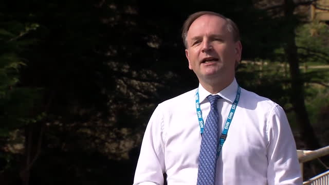 """chief executive sir simon stevens urging people in vulnerable groups to not """"delay and take up the offer"""" of a covid test - スキップトン点の映像素材/bロール"""