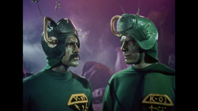stockvideo's en b-roll-footage met 1964 a chief martian orders a trip to earth to kidnap santa despite his subordinate's hesitations - twijfel