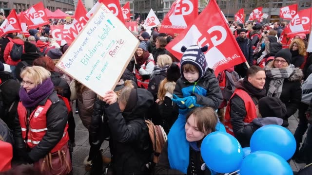 child day care center workers protest for more personnel and higher wages during a halfday strike on january 29 2019 in berlin germany germany which... - the center stock videos & royalty-free footage