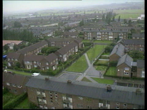govwernment report cf tape no longer available anat england tgv urban housing estate pan lrt lancs tms block of houses on tx rochdale housing estate... - rochdale england stock videos & royalty-free footage
