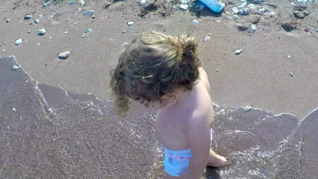 child walking on the beach - toe stock videos & royalty-free footage