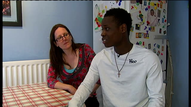 vidéos et rushes de foster care fortnight initiative; joe interview sot alison cox interview sot - famille d'accueil