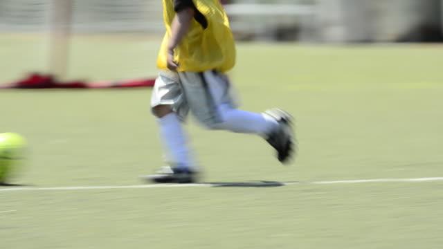 children ages 5-7 playing soccer/ football. - 1920x1080 - jungen stock-videos und b-roll-filmmaterial