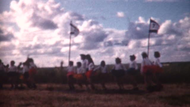 vídeos y material grabado en eventos de stock de los niños bailan 1962 - vídeo casero