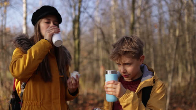 children drinking from reusable water bottles. - reusable stock videos & royalty-free footage