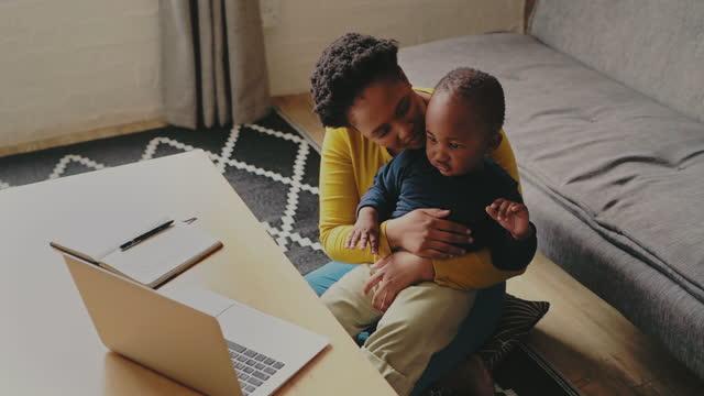 vidéos et rushes de les enfants apprennent par la musique - son