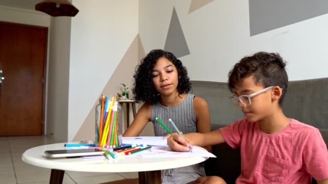 children learning artistic drawing - curiosity stock videos & royalty-free footage