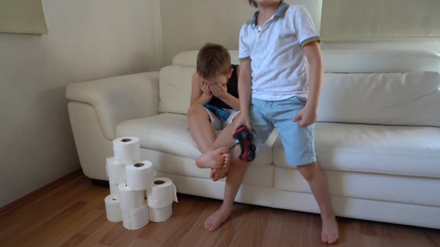children playing video games - boys stock videos & royalty-free footage