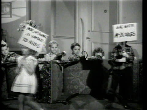 1947 montage children protesting - streikposten stock-videos und b-roll-filmmaterial
