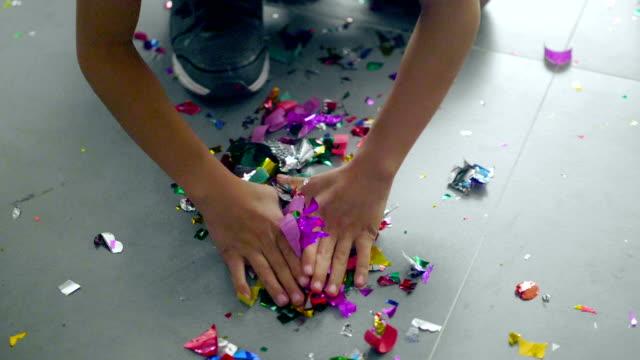 vidéos et rushes de fête d'enfants - anniversaire d'un évènement