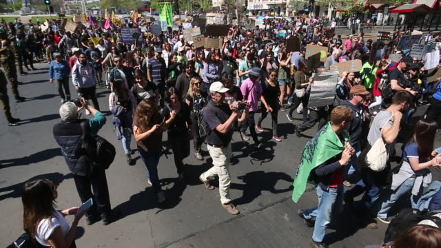 chilean captain planet march in support of the global climate strike at plaza italia on september 20 2019 in santiago chile strikes are being held... - clima video stock e b–roll