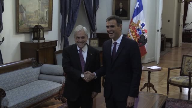 Chilean president Sebastian Pinera welcomes Spanish Prime Minister Pedro Sanchez in La Moneda Palace