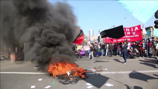 chilean workers demonstrated in santiago on thursday during a national strike called by the workers united center of chile cut against the government... - brasile meridionale video stock e b–roll