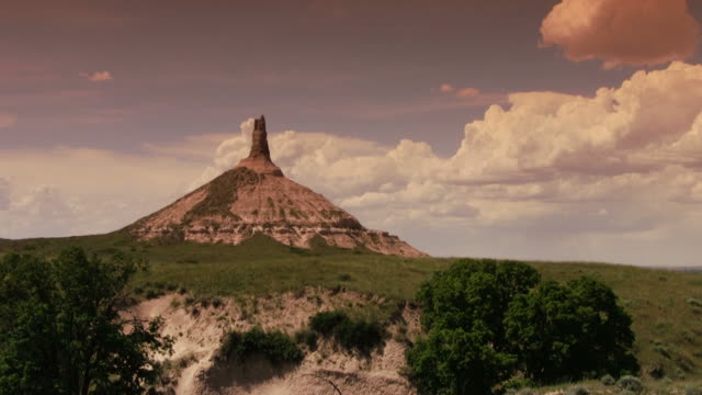 chimney rock - nebraska stock-videos und b-roll-filmmaterial