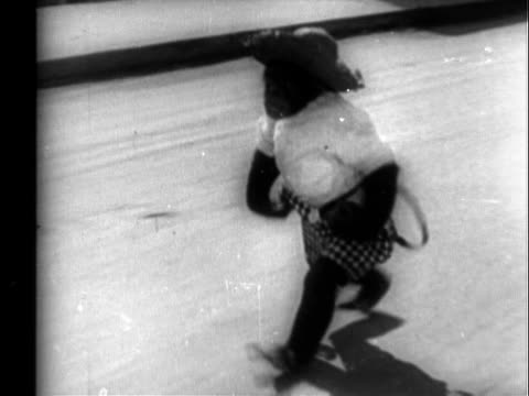 chimp antics - ヒルビリー点の映像素材/bロール