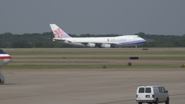 China Airlines Cargo plane (Boeing 747-400F) taxis to runway/DFW International Airport, Dallas-Fort Worth, Texas, USA