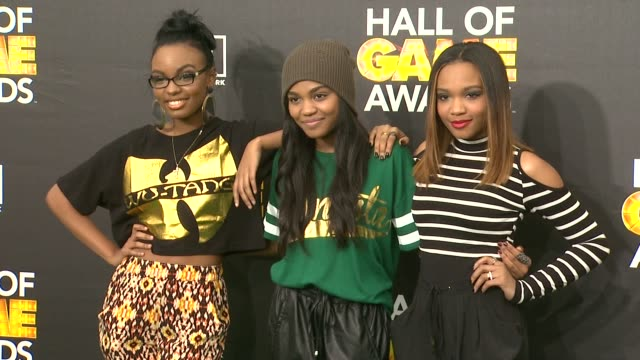 china anne mcclain, sierra mcclain, and lauryn mcclain at cartoon network hosts fourth annual hall of game awards at barker hangar on february 15,... - barker hangar stock videos & royalty-free footage