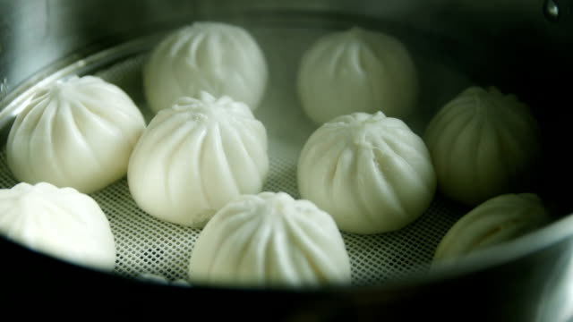 stockvideo's en b-roll-footage met china dim sum baozi in pot - chinese culture