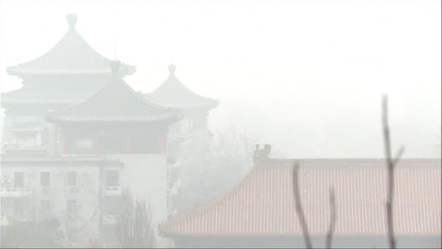 china el pais que mas contamina el planeta ratifico el sabado el acuerdo sobre el clima alcanzado en diciembre en paris indico la agencia oficial... - planeta stock videos & royalty-free footage