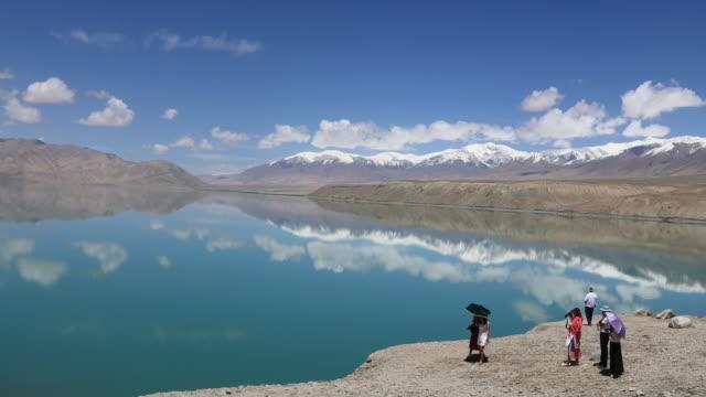 China, Pamir plateau, view of a lake near the Karakoram highway