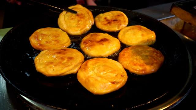 cina pancake - sfondo marrone video stock e b–roll