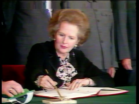 china relations lib / china peking the great hall int various of margaret thatcher mp and zhao ziyang signing agreement on hong kong with chinese... - 1984 stock-videos und b-roll-filmmaterial