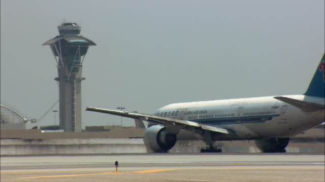 MS, China Southern jet taxiing on tarmac, Los Angeles International Airport, Los Angeles, California, USA
