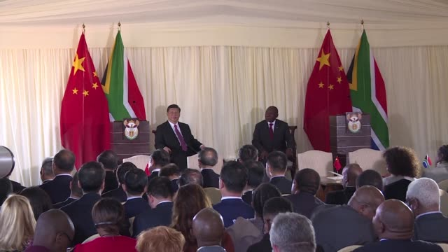china's president xi jinping holds talks with south african president cyril ramaphosa in pretoria on the eve of the brics summit saying that the... - g8:s toppmöte bildbanksvideor och videomaterial från bakom kulisserna