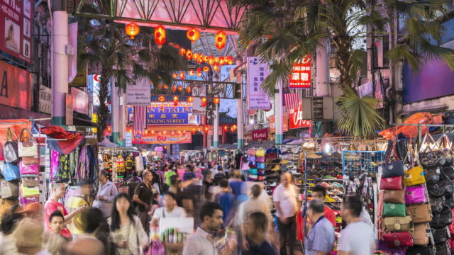 vídeos de stock e filmes b-roll de ws t/l chinatown night market / kuala lumpur, selangor, malaysia - malásia