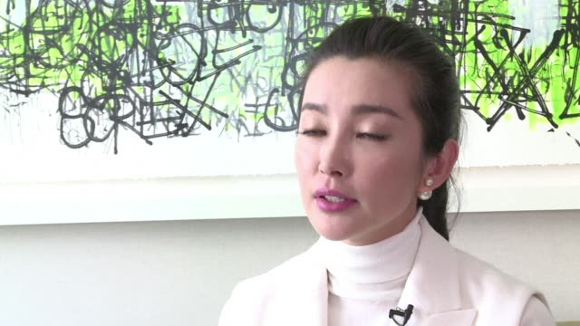 vídeos y material grabado en eventos de stock de chinese actress li bingbing is a huge star in china but remains fairly unknown in the rest of the world - actriz