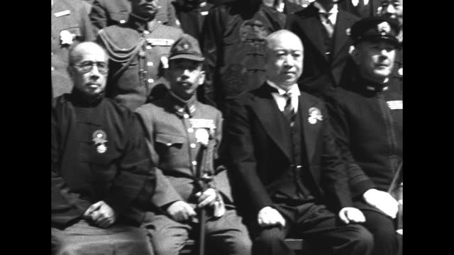 stockvideo's en b-roll-footage met gv chinese collaborationist government officials of and japanese army and navy officers pose in group / otozo yamada general in imperial japanese... - generaal militaire rang