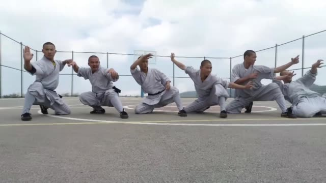 chinese dance group shaolin monks practice in northwestern bursa province of turkey on july 10 2018 the kung fu monk group of the shaolin temple... - 少林寺点の映像素材/bロール