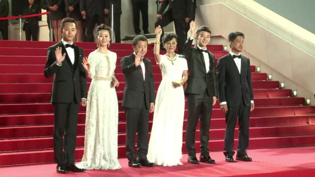vídeos de stock, filmes e b-roll de chinese director jia zhangke presents mountains may depart in the main competition at cannes a film tracing the love life and life choices of a... - traçar