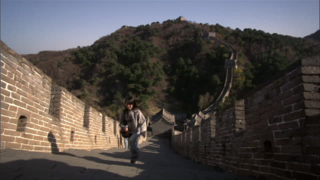 ms, ha, chinese family with teenage son (14-15) visiting great wall of china, china - family with one child stock videos & royalty-free footage